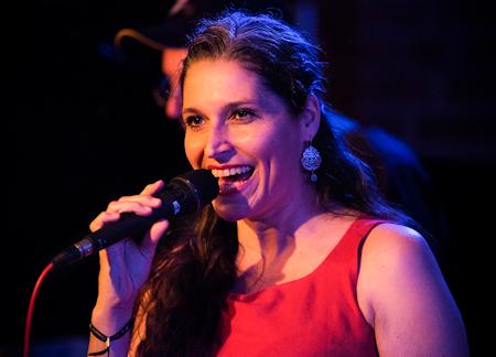 Hard Days Night Big Band mit Petra Scheeser